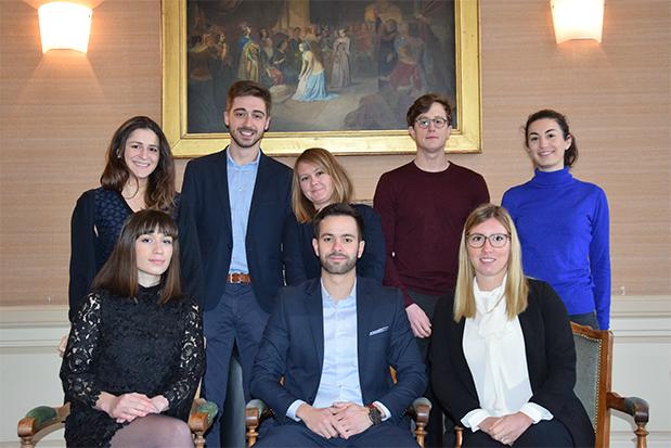 Jeunes chercheurs en doctorat de droit des contrats ou droit des biensphoto